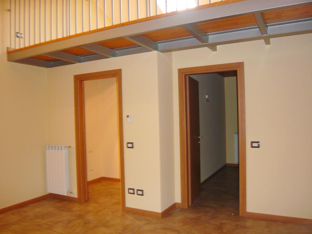 ufficio-studio-affitto-bernareggio-03