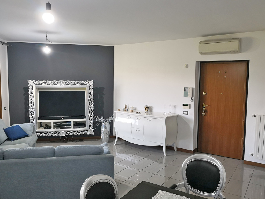 villa-a-schiera-vendita-roncello-01
