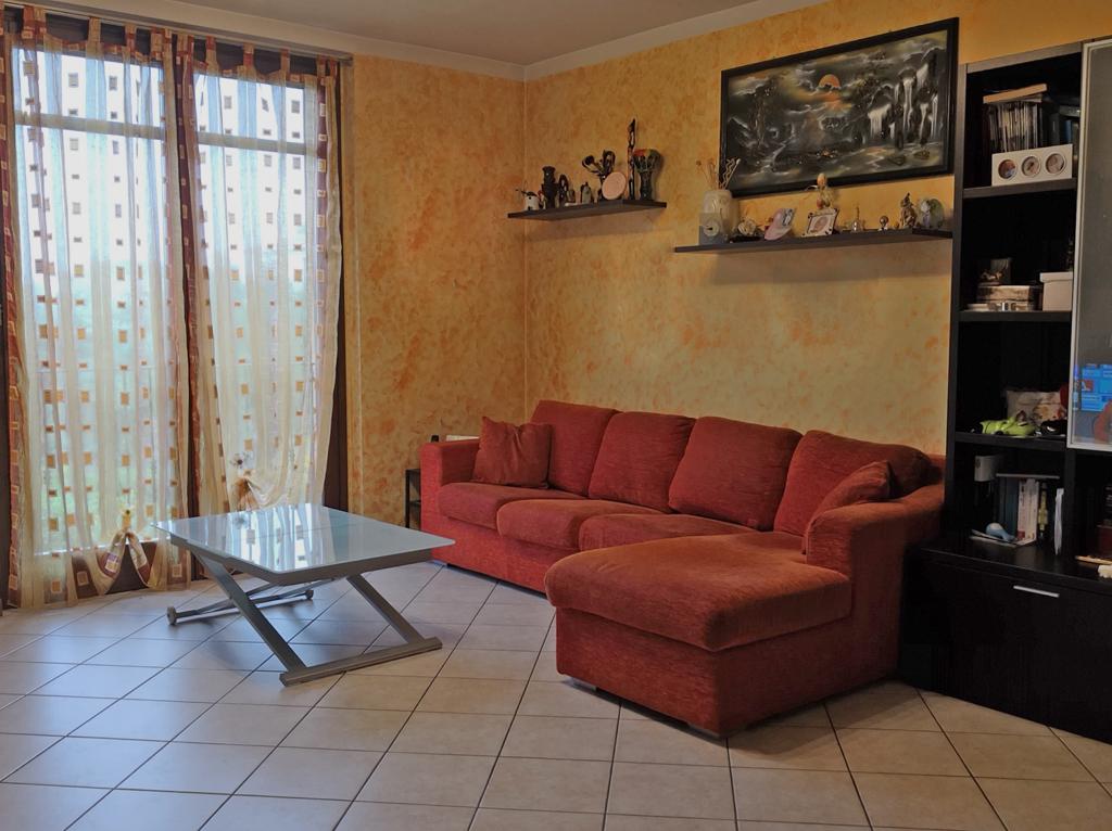 vendita-trilocale-ronco-briantino-01-soggiorno