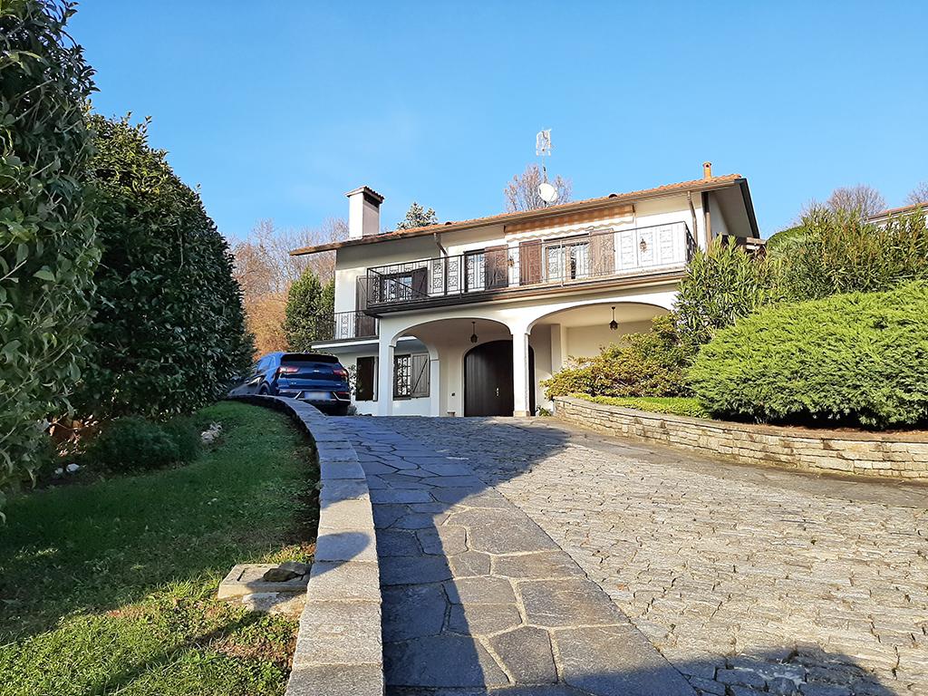 vendita-villa-merate-01